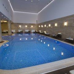 Отель Ararat Resort бассейн