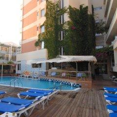 Agla Hotel бассейн