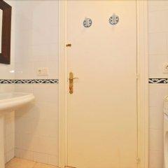 Отель Flora Испания, Льорет-де-Мар - отзывы, цены и фото номеров - забронировать отель Flora онлайн ванная фото 2