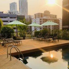 Отель Oakwood Residence Sukhumvit 24 Бангкок бассейн