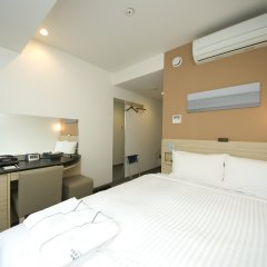 Отель Sotetsu Fresa Inn Tokyo-Kyobashi комната для гостей