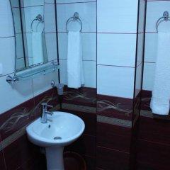 Отель Traditsia Guest House Болгария, Копривштица - отзывы, цены и фото номеров - забронировать отель Traditsia Guest House онлайн ванная фото 2