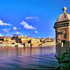Отель Seafront Apart IN Fort Cambridge Мальта, Слима - отзывы, цены и фото номеров - забронировать отель Seafront Apart IN Fort Cambridge онлайн приотельная территория фото 2