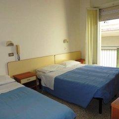 Отель Villa Derna Римини комната для гостей