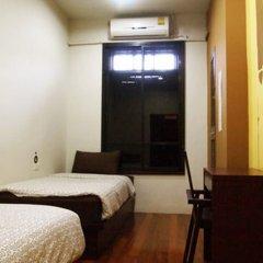Отель Phuket Sunny Hostel Таиланд, Пхукет - отзывы, цены и фото номеров - забронировать отель Phuket Sunny Hostel онлайн комната для гостей фото 5