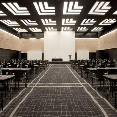 Отель Hilton Madrid Airport