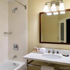 Отель Sheraton JFK Airport Hotel США, Нью-Йорк - 1 отзыв об отеле, цены и фото номеров - забронировать отель Sheraton JFK Airport Hotel онлайн ванная