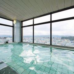 Annex Royal Hotel бассейн