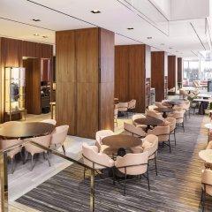 Отель Four Seasons Hotel Toronto Канада, Торонто - отзывы, цены и фото номеров - забронировать отель Four Seasons Hotel Toronto онлайн интерьер отеля фото 3
