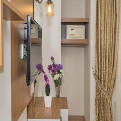 Отель Raimond сейф в номере