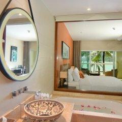 Отель Crowne Plaza Phuket Panwa Beach ванная фото 2