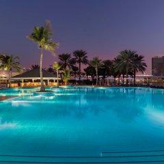 Отель Beach Rotana ОАЭ, Абу-Даби - 1 отзыв об отеле, цены и фото номеров - забронировать отель Beach Rotana онлайн бассейн фото 2