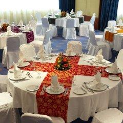 Отель Golden Tulip Sharjah ОАЭ, Шарджа - 1 отзыв об отеле, цены и фото номеров - забронировать отель Golden Tulip Sharjah онлайн помещение для мероприятий