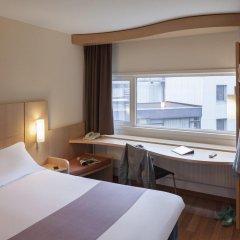 Отель ibis Schiphol Amsterdam Airport Нидерланды, Бадхевердорп - 7 отзывов об отеле, цены и фото номеров - забронировать отель ibis Schiphol Amsterdam Airport онлайн комната для гостей фото 4