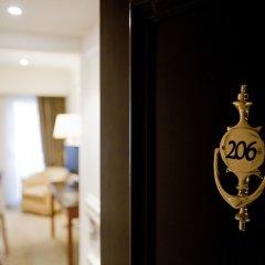 Hera Hotel сейф в номере