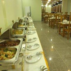 Jade Royal Hotel питание