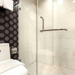 Отель Bally Suite Silom Бангкок ванная фото 2
