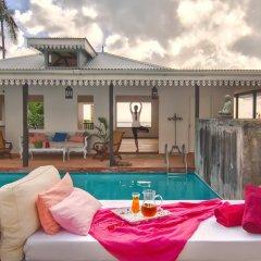 Отель The Station Seychelles бассейн