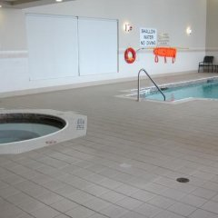 Отель Hilton Garden Inn Ottawa Airport Канада, Оттава - отзывы, цены и фото номеров - забронировать отель Hilton Garden Inn Ottawa Airport онлайн бассейн фото 3