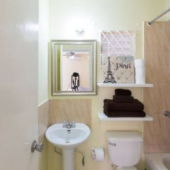 Отель Kgn Most Centrally Located One Bdrm II ванная