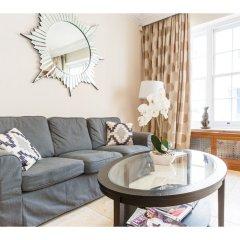 Отель Rare and Gorgeous Hyde Park Mews House Sleeps 8 комната для гостей фото 4