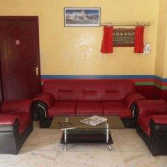 Отель Swayambhu Peace Zone Hotel Непал, Катманду - отзывы, цены и фото номеров - забронировать отель Swayambhu Peace Zone Hotel онлайн интерьер отеля
