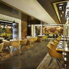 DoubleTree by Hilton Hotel Riyadh - Al Muroj Business Gate гостиничный бар