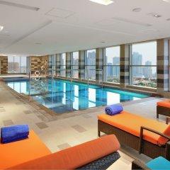 Отель Al Majaz Premiere Hotel Apartment ОАЭ, Шарджа - 1 отзыв об отеле, цены и фото номеров - забронировать отель Al Majaz Premiere Hotel Apartment онлайн бассейн фото 3