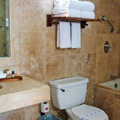 Отель Ramada Resort Mazatlan ванная фото 2