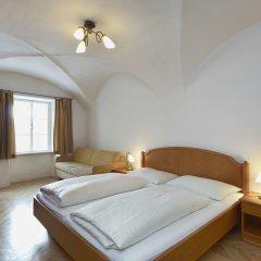 Отель Goldene Krone 1512 Зальцбург комната для гостей фото 2