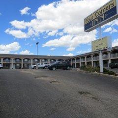 Отель Four Corners Inn парковка