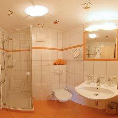 Отель Residenz Theresa Австрия, Зёлль - отзывы, цены и фото номеров - забронировать отель Residenz Theresa онлайн ванная