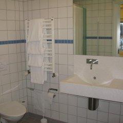 Отель BB-Hotel Aarhus Havnehotellet Дания, Орхус - отзывы, цены и фото номеров - забронировать отель BB-Hotel Aarhus Havnehotellet онлайн ванная