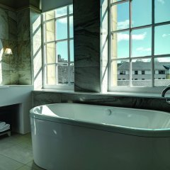 Отель Doubletree By Hilton Edinburgh City Centre Эдинбург спа фото 2