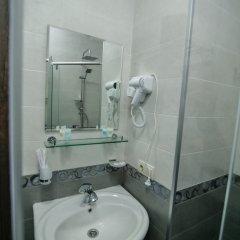 Отель Hills Hotel Грузия, Тбилиси - отзывы, цены и фото номеров - забронировать отель Hills Hotel онлайн ванная фото 2