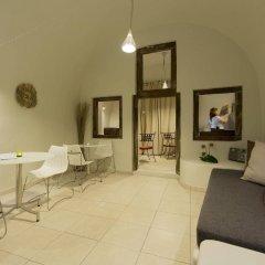Отель Krokos Villas Греция, Остров Санторини - отзывы, цены и фото номеров - забронировать отель Krokos Villas онлайн комната для гостей фото 2
