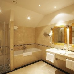 Luxury Family Hotel Royal Palace ванная фото 2