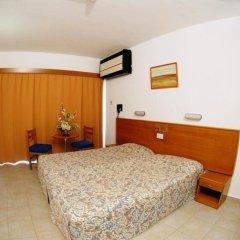 Cornelia Hotel сейф в номере