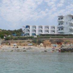 Отель Estudios Vistamar Испания, Эс-Мигхорн-Гран - отзывы, цены и фото номеров - забронировать отель Estudios Vistamar онлайн пляж