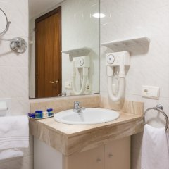 Отель H·TOP Royal Sun ванная фото 2