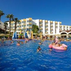 Fortezza Beach Resort Турция, Мармарис - отзывы, цены и фото номеров - забронировать отель Fortezza Beach Resort онлайн бассейн