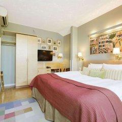 Отель Lady Hamilton - Collector's Hotels Стокгольм сейф в номере