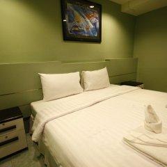 Отель Surachet at 257 Boutique House сейф в номере
