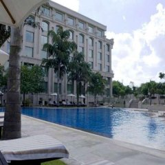 Отель The Grand New Delhi бассейн фото 3
