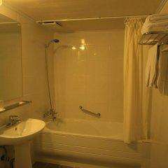 Brown Tourist Hotel ванная