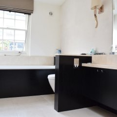 Отель Knightsbridge 3 Bedroom House With Balcony ванная