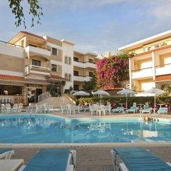 Kassandra Hotel бассейн