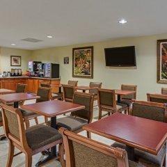 Отель Best Western Fort Lauderdale Airport/Cruise Port США, Форт-Лодердейл - отзывы, цены и фото номеров - забронировать отель Best Western Fort Lauderdale Airport/Cruise Port онлайн гостиничный бар