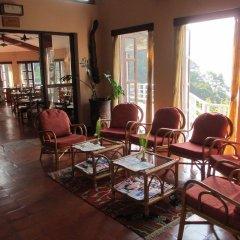 Отель The Begnas Lake Resort & Villas Непал, Лехнат - отзывы, цены и фото номеров - забронировать отель The Begnas Lake Resort & Villas онлайн интерьер отеля
