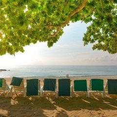 Отель First Bungalow Beach Resort пляж фото 2